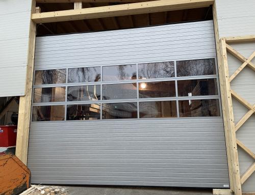 Industrijska vrata z okni